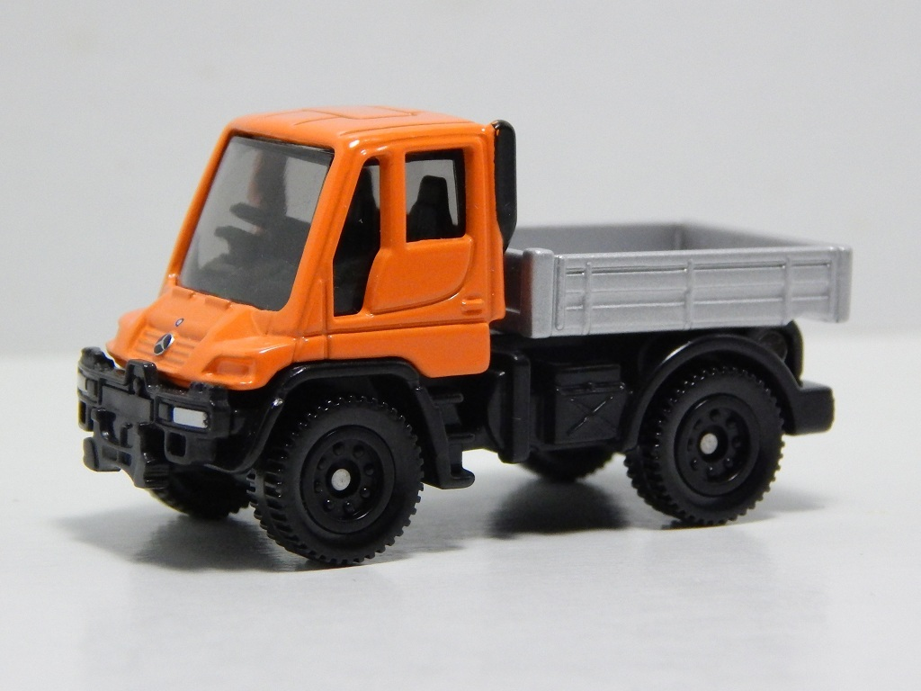 Click image for larger version  Name:	22-6 Mercedes-Benz Unimog 2.jpg Views:	7 Size:	154.5 KB ID:	2983