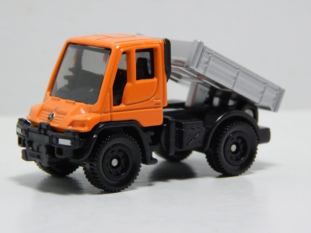 Click image for larger version  Name:	22-6 Mercedes-Benz Unimog 3.jpg Views:	7 Size:	159.2 KB ID:	2984