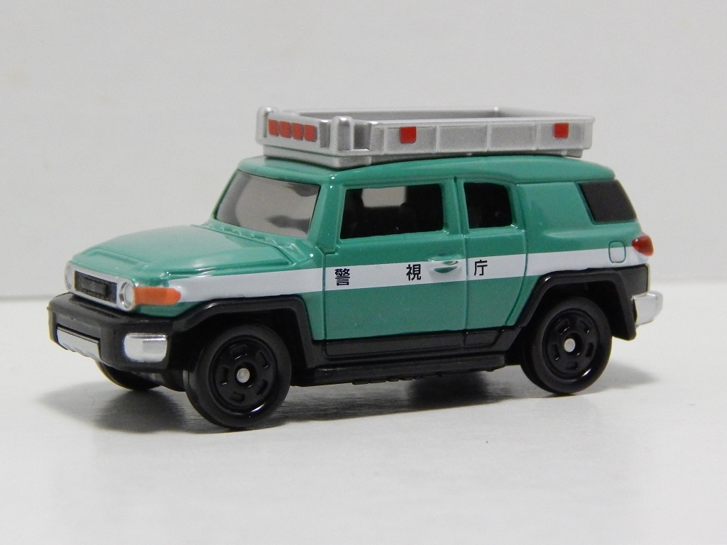 Click image for larger version  Name:	31-8 Toyota FJ Cruiser Patrol Car 2.jpg Views:	32 Size:	150.5 KB ID:	2998