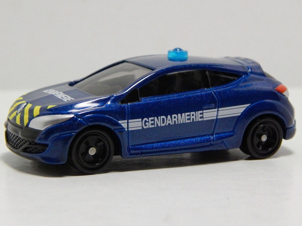 Click image for larger version  Name:	44-8 Renault Megane Gendarmerie 2.jpg Views:	9 Size:	172.3 KB ID:	3055