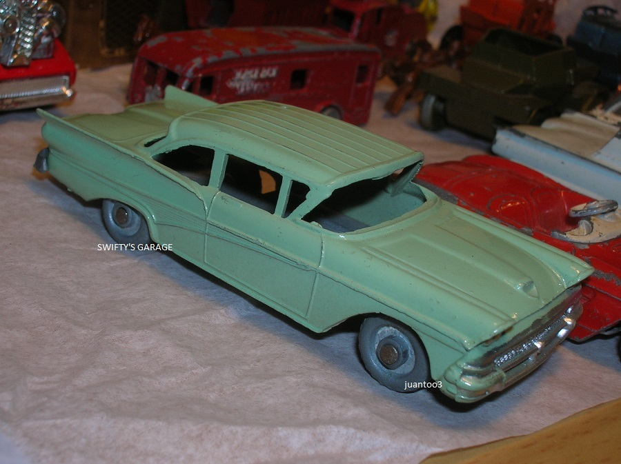 Click image for larger version  Name:	burslem 58 ford fairlane green.JPG Views:	52 Size:	169.0 KB ID:	3744