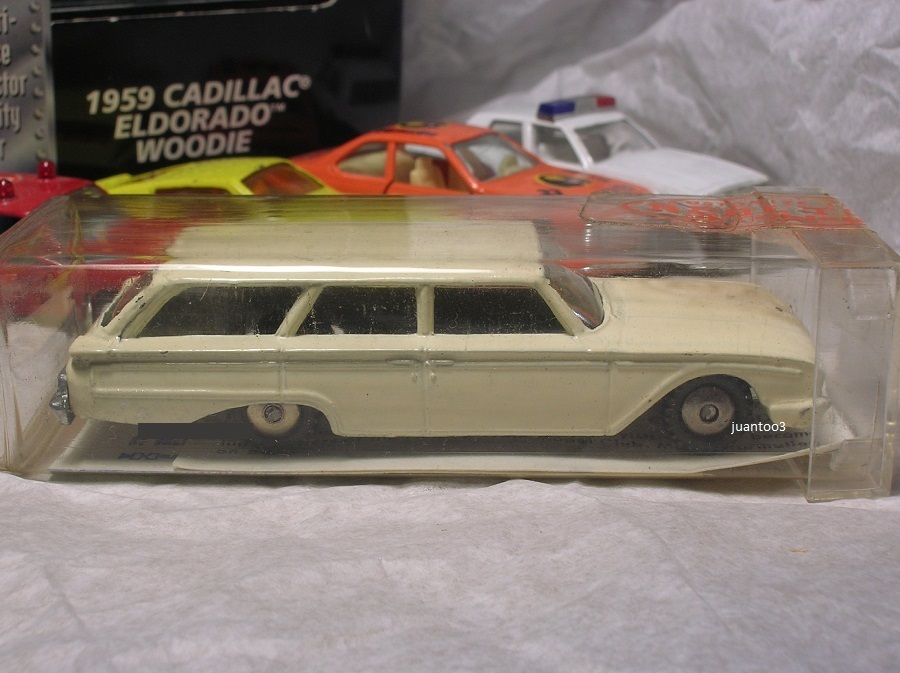 Click image for larger version  Name:	hubley 60 ford wagon white.JPG Views:	0 Size:	159.0 KB ID:	3779