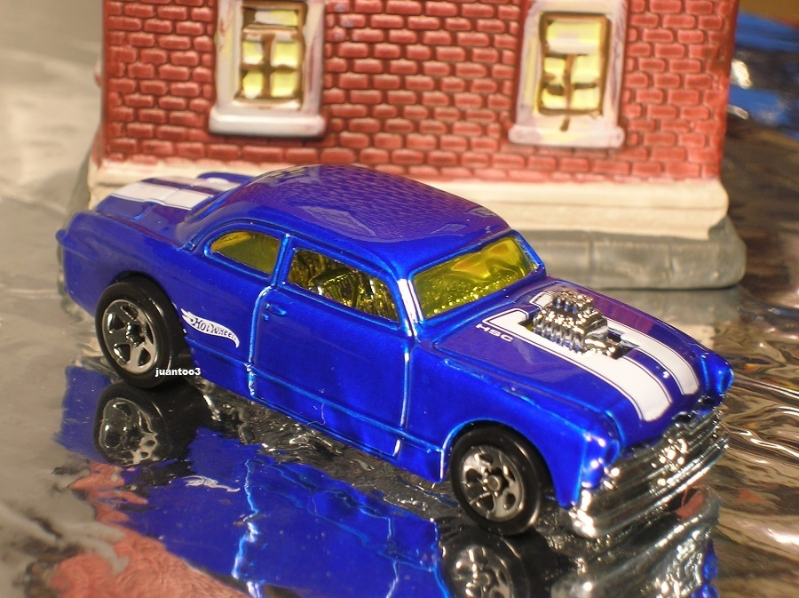 Click image for larger version  Name:	hw 50 ford shoebox blue 5sp playset.JPG Views:	1 Size:	218.7 KB ID:	869